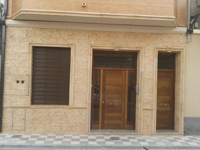 Piedra para revestir fachadas cool piedra para revestir - Paneles de piedra artificial ...